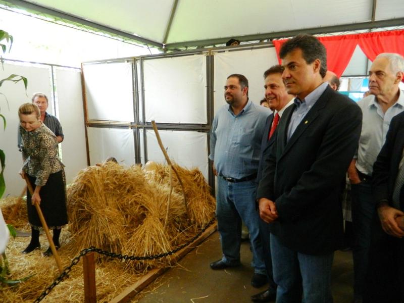 Beto Richa visita Exposição HistóricaBeto Richa visita Exposição Histórica