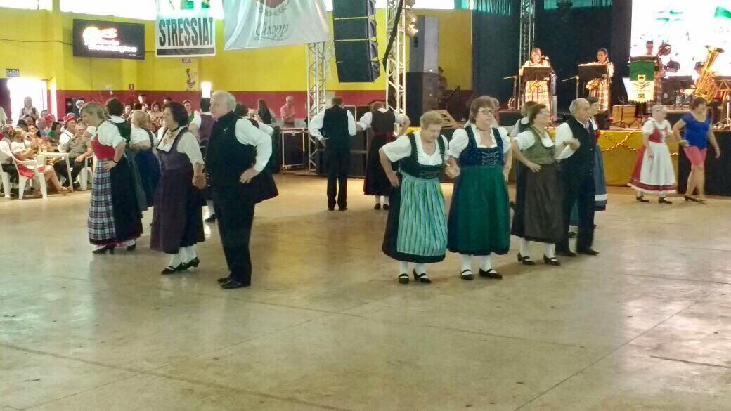 Grupo Folclórico Sênior - 17ª Deutschesfest de Missal - 22/04/2017Grupo Folclórico Sênior - 17ª Deutschesfest de Missal - 22/04/2017