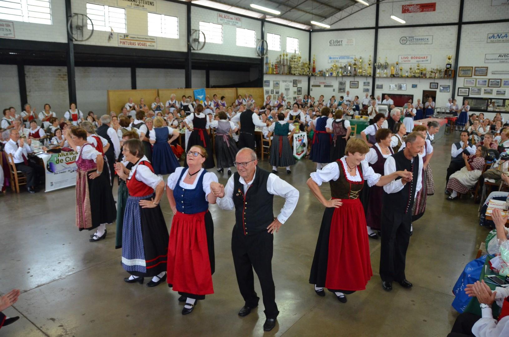 Encontro de danças da Terceira Idade em Imigrante - 24/03/18Encontro de danças da Terceira Idade em Imigrante - 24/03/18