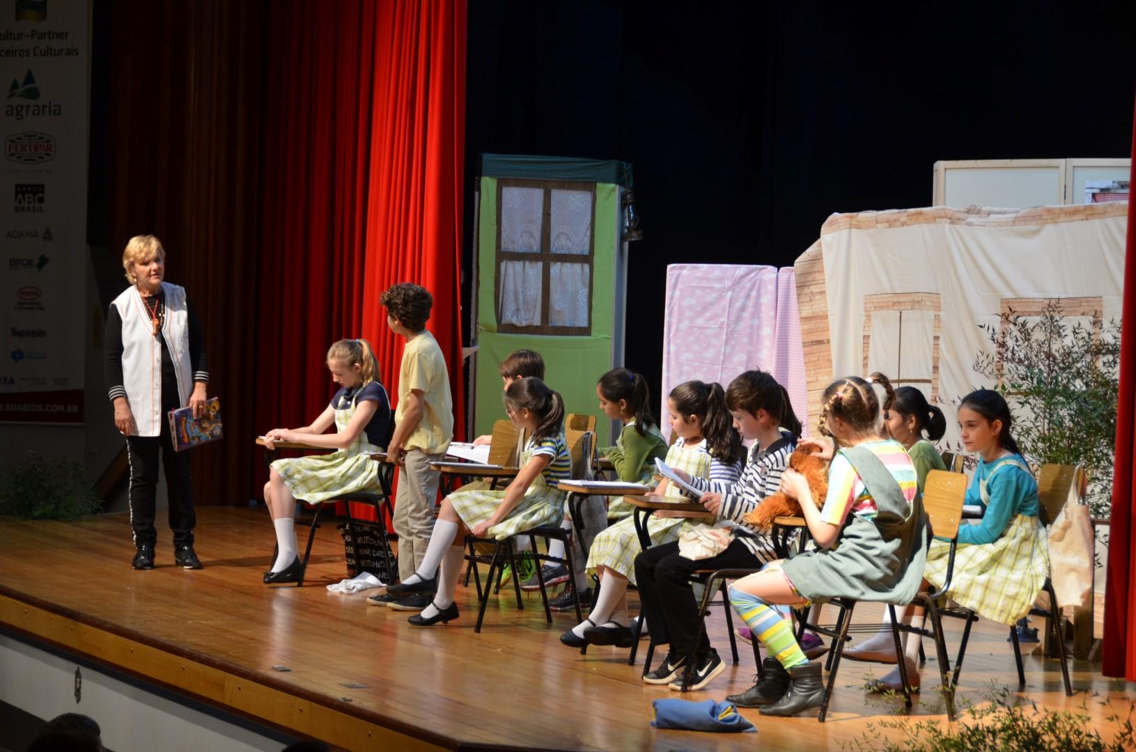 Apresentação teatro Pippi Meialonga para alunos do Colégio Imperatriz - 26/06/18Apresentação teatro Pippi Meialonga para alunos do Colégio Imperatriz - 26/06/18