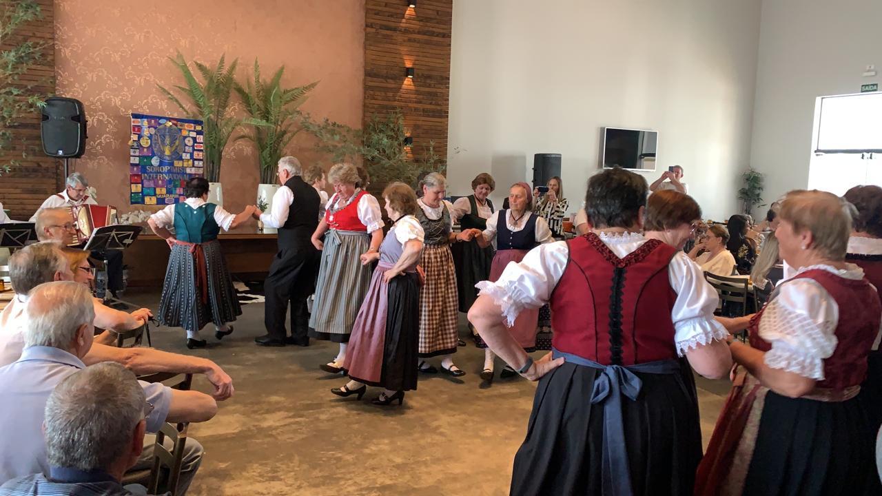 Seniorentanzgruppe beim 22. Generationentreffen - 11/09/2019