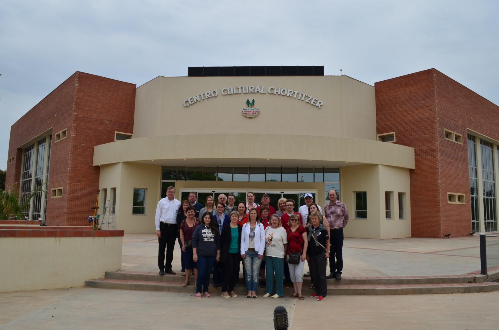 Theatergruppe Thomas Schwarz und Vertreter der Semmelweis-Stiftung - Reise nach Paraguai