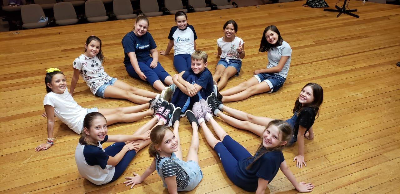Ensaios dos Grupos de Dança - Infantis e Juvenis