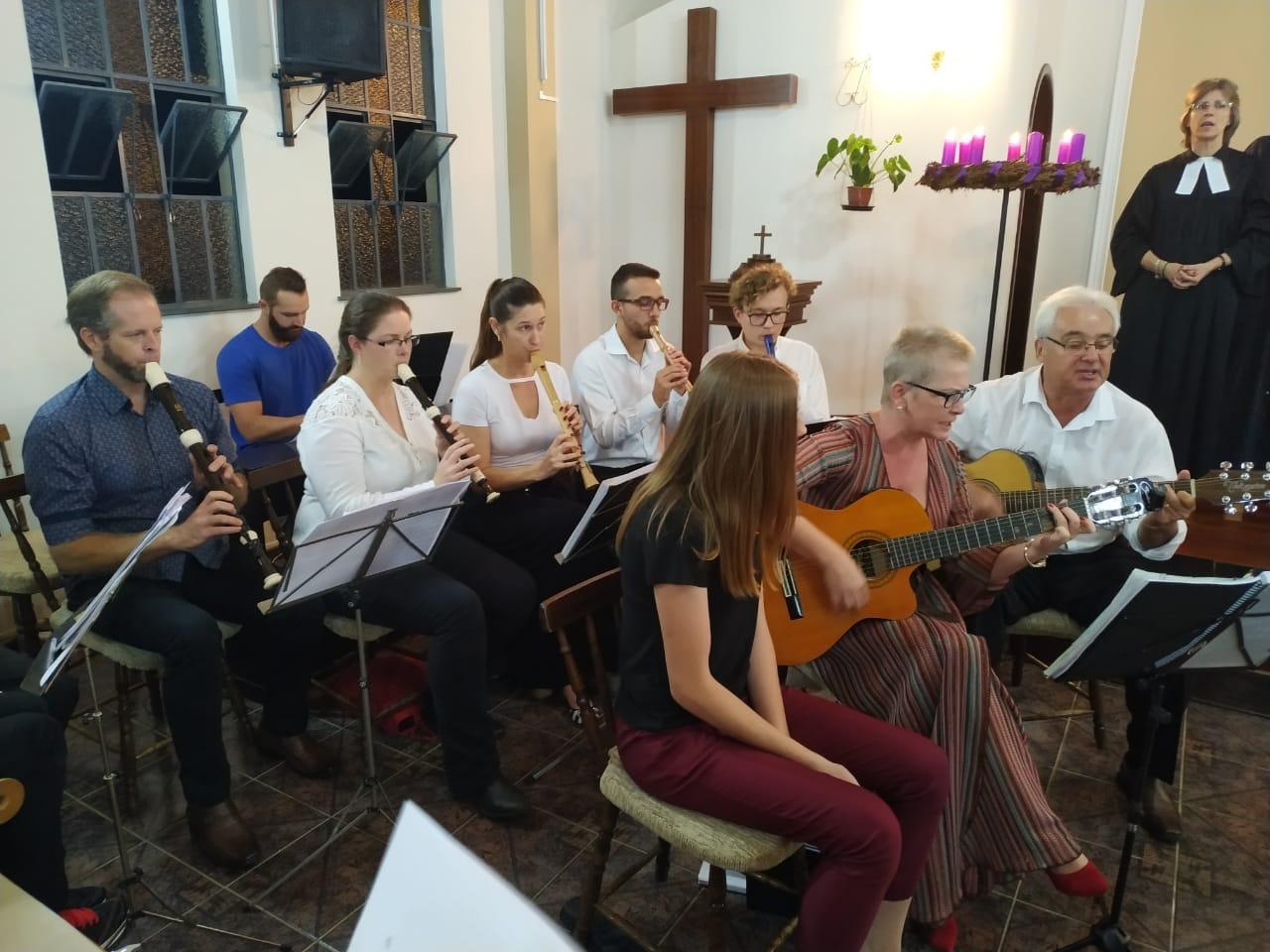 Grupo de Flautas e alunos de flautas na Igreja Luterana - 09/03/2020