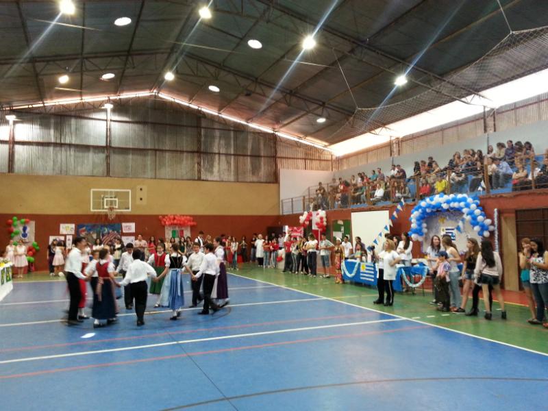 Festa das Nações - Colégio ViscondeFesta das Nações - Colégio Visconde